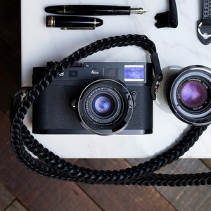 Barton1972 Leather Neck Strap Braided Style - Pitch BlackLEICA, 라이카